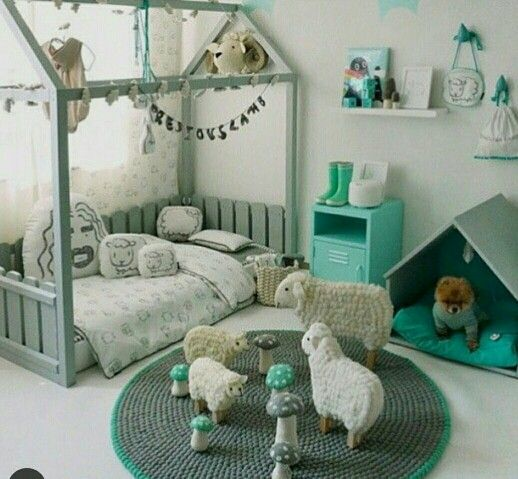 So cute look at the low bed!