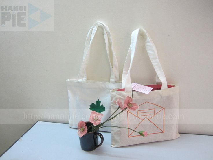 Handle cotton canvas tote bag wholesale in Vietnam | Website: www.hanoipie.com | Alibaba: http://vn1014973851.trustpass.alibaba.com/ | Email: info@hanoipie.com | New ‪#‎CottonBag‬ in ‪#‎Vietnam‬ from ‪#‎Hanoipie‬ Co. Ltd.