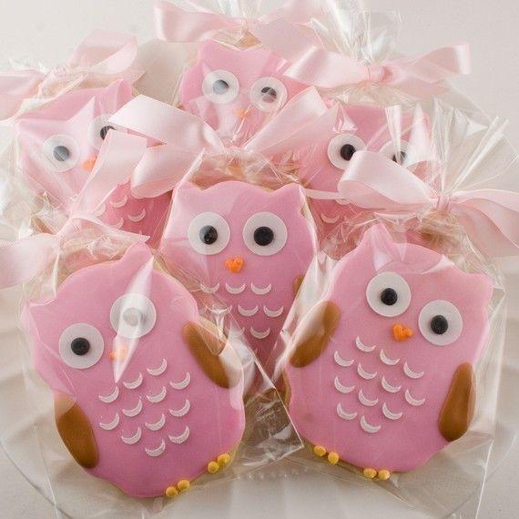 Pink owl cookies.