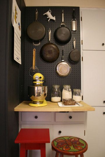 pegboard in the kitchen: Kitchens Ware, Pin Boards, Apartment Therapy, Peg Boards, Black Kitchens, Small Spaces, Kitchens Storage Solutions, Kitchens Pegboard, Kitchens Cabinets