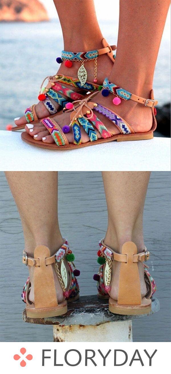 Schuhe mit niedrigem Absatz und Schnalle – Gilla Westendorp