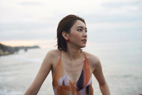 新垣結衣初のファッションマガジン『NYLON JAPAN × Yui Aragaki Fashion Photo Magazine』の収録カット  (C)カエルム
