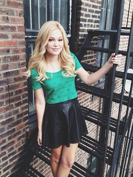 Olivia Holt Misses Junior High