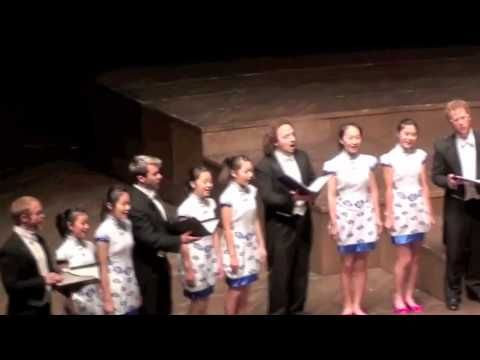 Chanticleer and Shenzen Lily Choir sing Mo li hua