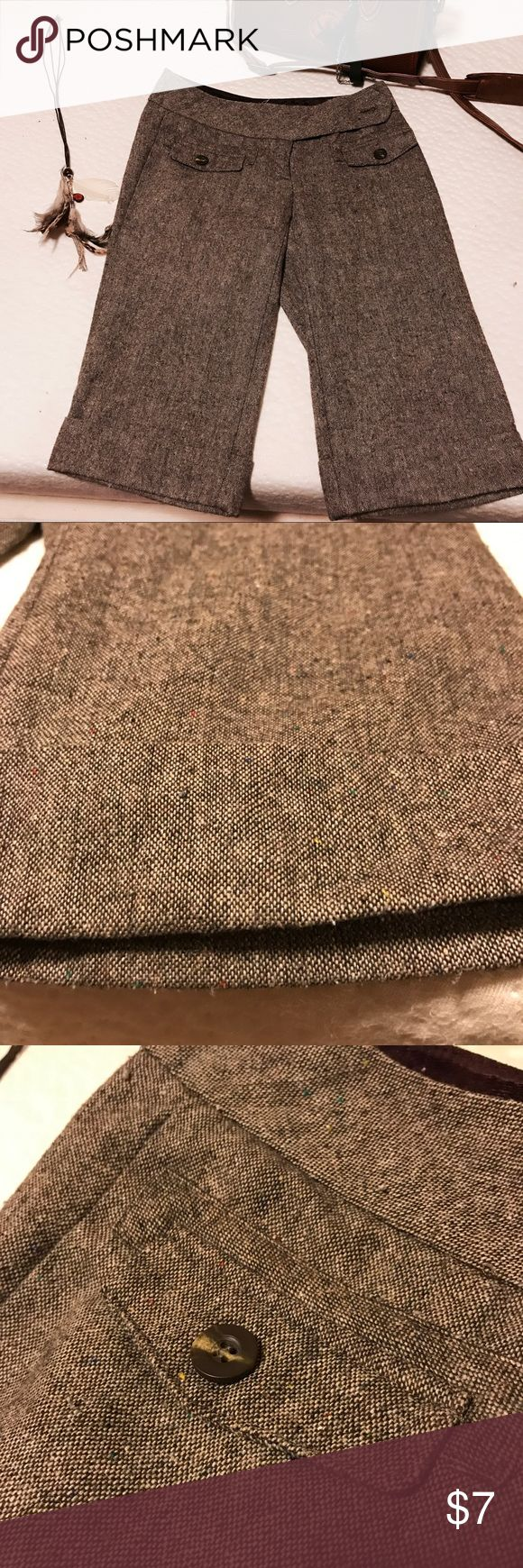 💐HERITAGE TWEED CROPPED SLACKS PANTS Button embellishments. Size 1. Cute. Worn but in good shape. Folded and cropped. Bundle and save ! Xo Heritage Pants