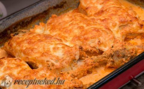 Tejfölben sült csirkecombok recept fotóval