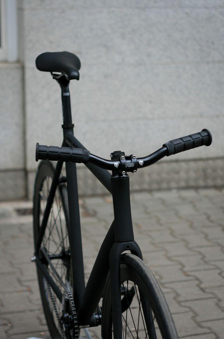 Nice all black fixie