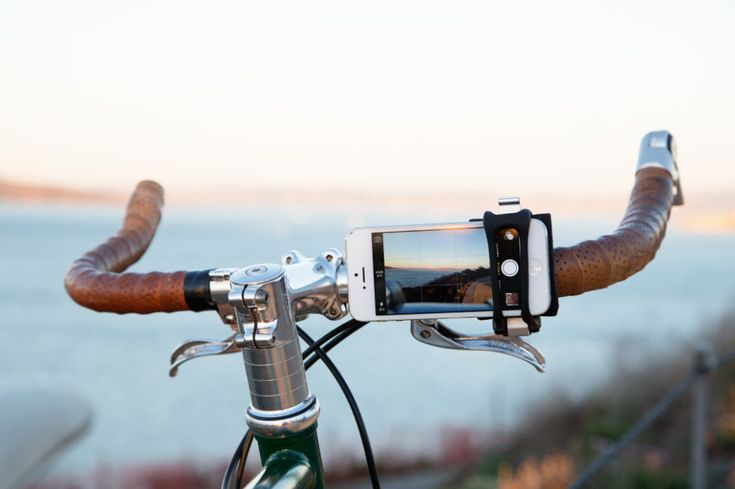 With the HandleBand Smartphone Bike Mount, you can strap just about any smartphone with or without a case on just about any bicycle handle bar. Whyrll.com