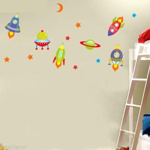 Pegatinas decorativas infantiles para Niños Mural infantil Cohetes y Planetas | eBay. Si su pequeño sueña con ir al espacio le encantará nuestra pegatina infantil de cohetes y planetas,¡no le prive de éste regalo!