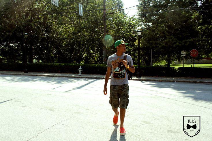 http://www.theurbangent.com/wp-content/uploads/2011/08/urban-gent-summer-look-3b-bob-marley-shirt.jpg