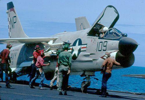 F8 Crusader - Tonkin Gulf, Vietnam - 1967 | Flickr - Photo Sharing!