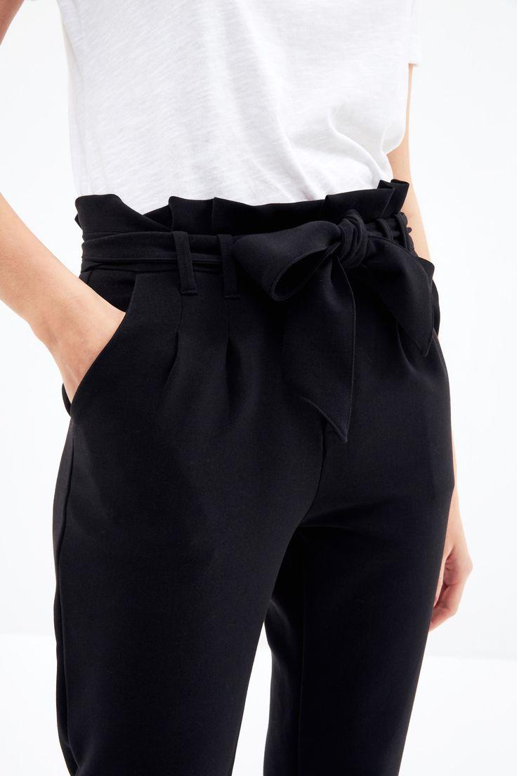 les 25 meilleures id es de la cat gorie pantalon carotte femme sur pinterest r seau d finition. Black Bedroom Furniture Sets. Home Design Ideas