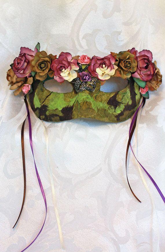 Mulberry marrón verde máscara de la mascarada de la por DaraGallery