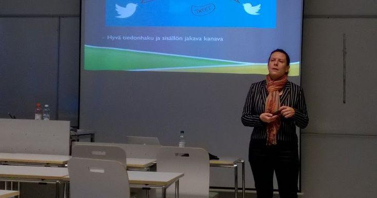 4. Opetusharjoittelu Digitaalinen markkinointi     Opettajaopiskelijakollegani mahdollisti minulle hienon tilaisuuden päästä valmentamaan ...
