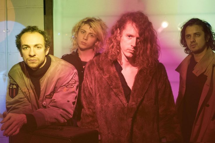Turning On An Axis: Mystery Jets