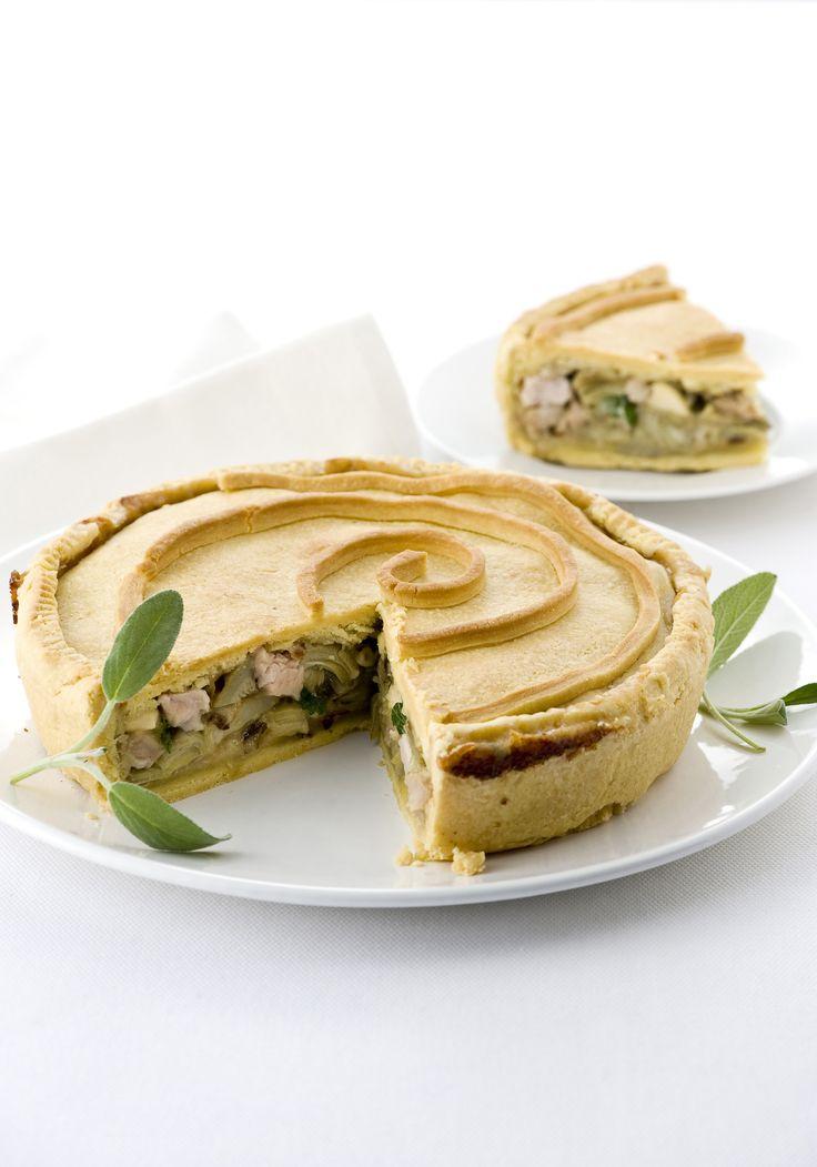 Ottima idea per riciclare gli avanzi dell'arrosto, la ricetta del pie di carne e carciofi di Sale&Pepe conquisterà gli amanti delle torte salate.