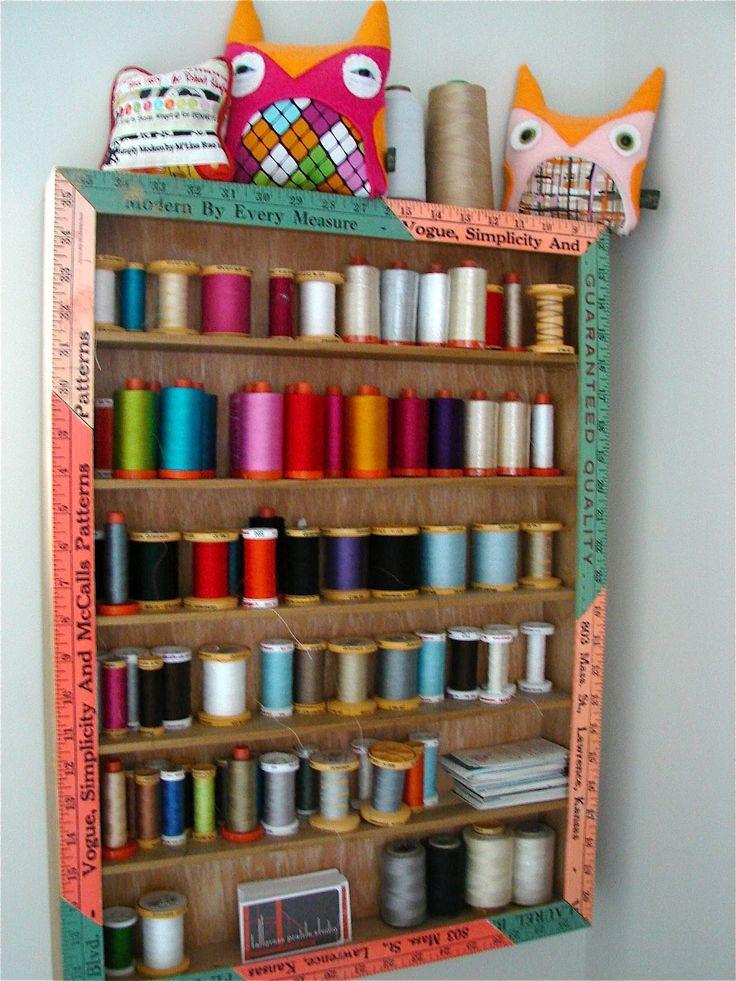 Tallgrass Prairie Studio: A beautifully organized sewing/quilting room :)