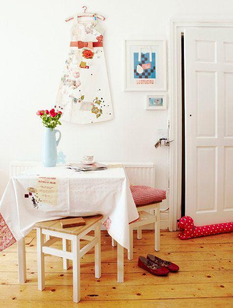 El mini apartamento de la diseñadora y serigrafa Catherine Hammerton es uno de esos lugares donde la luz es el hilo conductor. Sin duda, l...