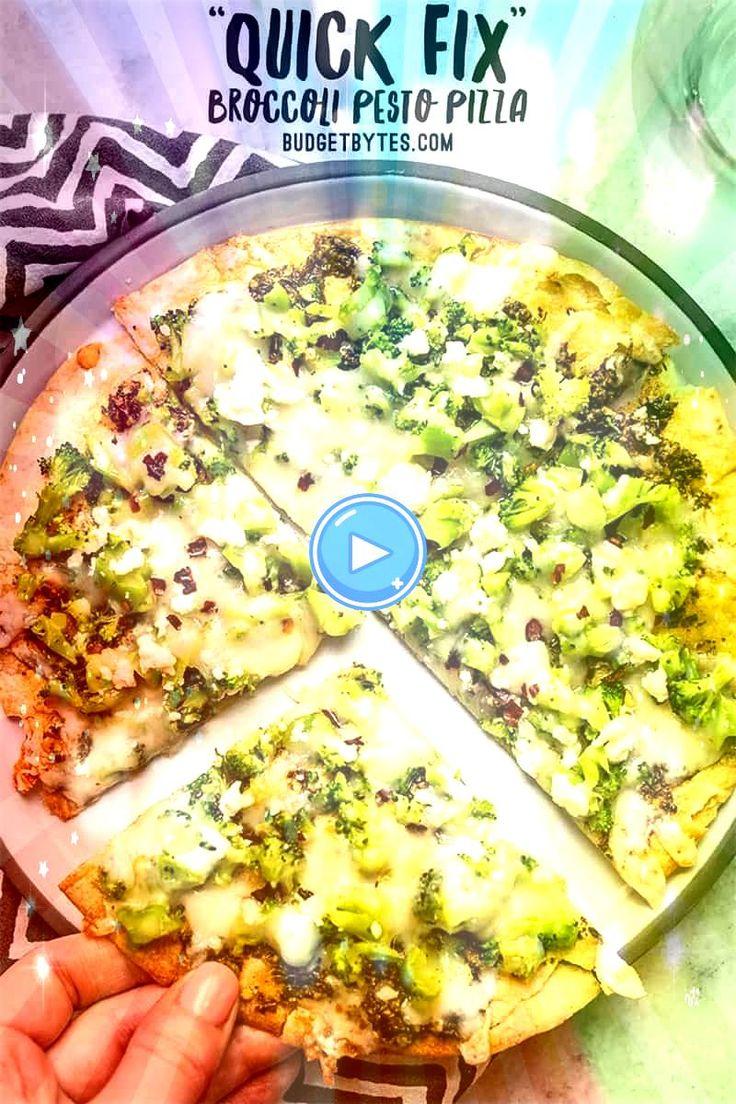 Diese schnelle Brokkoli-Pesto-Pizza ist der schnellste und einfachste Weg, um Ihre Pizza mit einem Extra und einer knusprigen Tortilla-Kruste zu fixieren