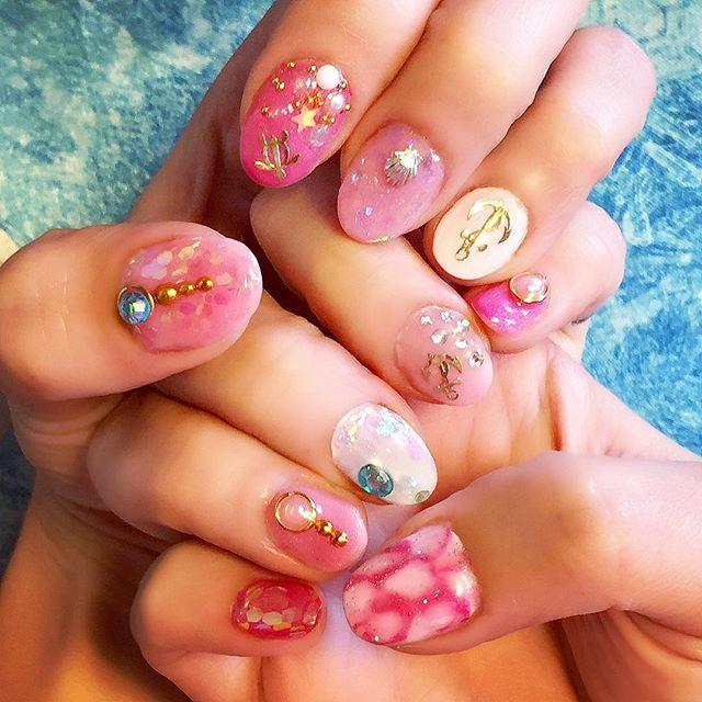 セルフジェルネイル𓇼🌴💗 ピンク系の海モチーフ🐚✨ かわいくできました( ・⊝・∞)𓇼 * * * #summer #nails #nail #marine #ピンクネイル #セルフネイル #ジェルネイル #海ネイル #ビーチ #マリンネイル #surf #surfgirl #tattooedgirls #ママ #ママコーデ #ママファッション #fashion #mamafashion #4人のママ #4kidsmama #cbr #cbr954rr  #girlsbiker #bikergirl #japan #TOKYO #asian #asiangilrs #girl #girls