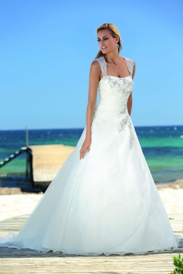 975 best Wedding Dresses images on Pinterest | Short wedding gowns ...