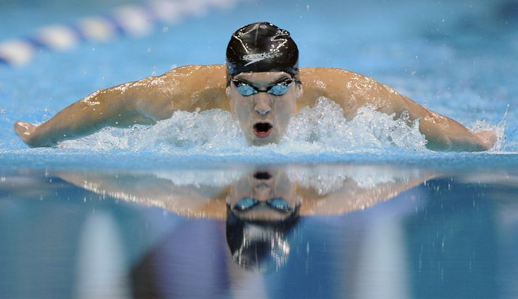 Michael Phelps in 400 m individual medley finals at US Olympic trials in Omaha, Nebraska (June 2008)
