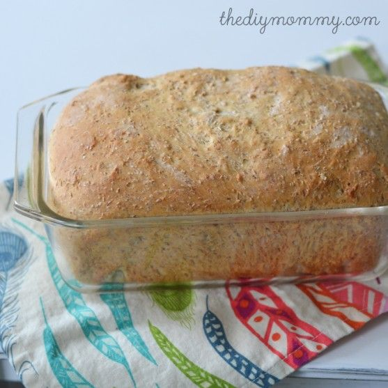 The BEST 100% whole wheat & honey bread recipe. It's quick to make, stays moist and delicious long after its baked, and uses healthy and simple ingredients. Great sandwich bread!