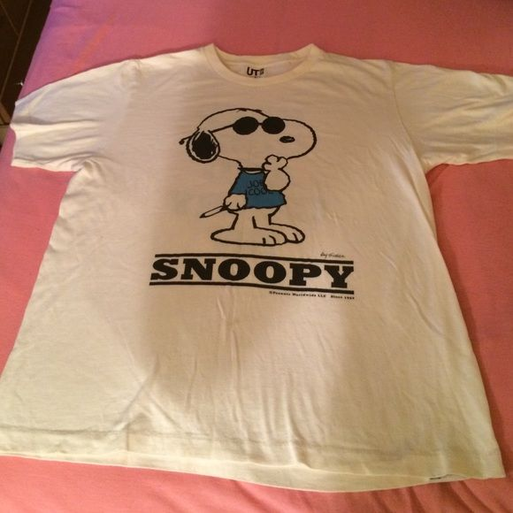 Snoopy shirt (peanuts) Brand new but no tags. It's a medium but it fits very big like an extra large UNIQLO Tops