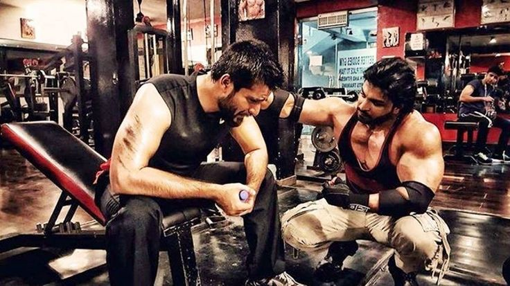 OMG! He is FIT, Hamza Ali Abbasi's Latest Gym Pic Will Make You Go WOW!  Visit us for more information;- http://stitchfit.com/hamza-ali-abbasi/
