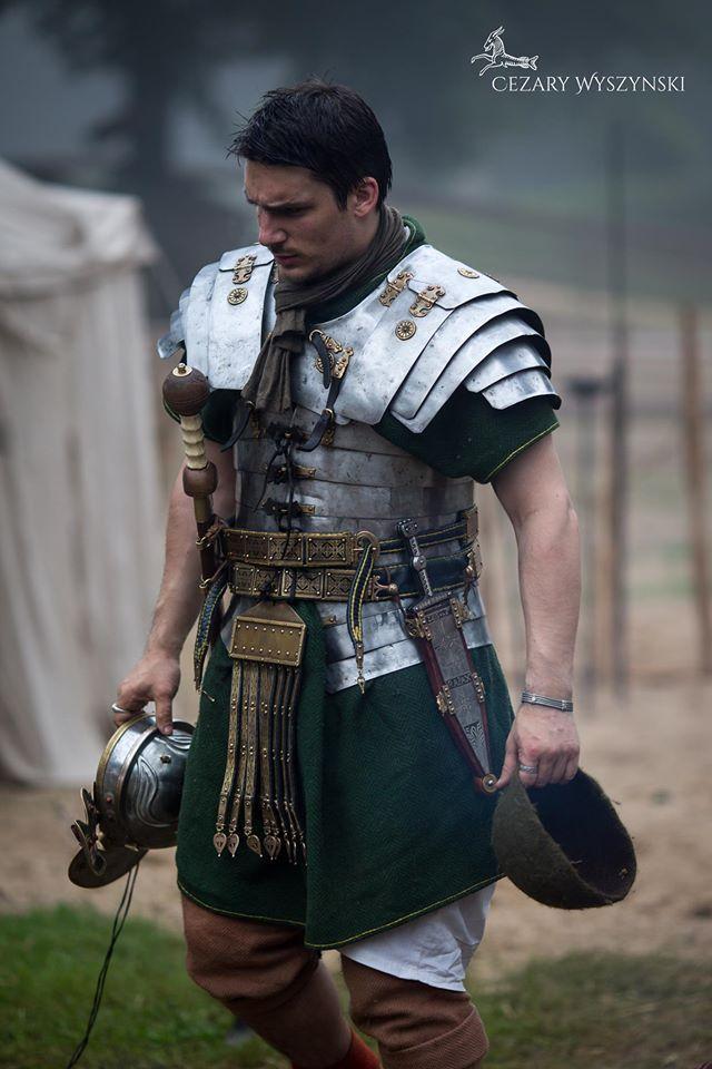 Misty morning in Germania. Legio XXI Rapax - historical reenactment of roman legion. Rekonstrukcja historyczna rzymskiej armii.
