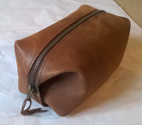 Man's Leather Washbag / Utensil Bag. The Ryan. by OssiansLeather