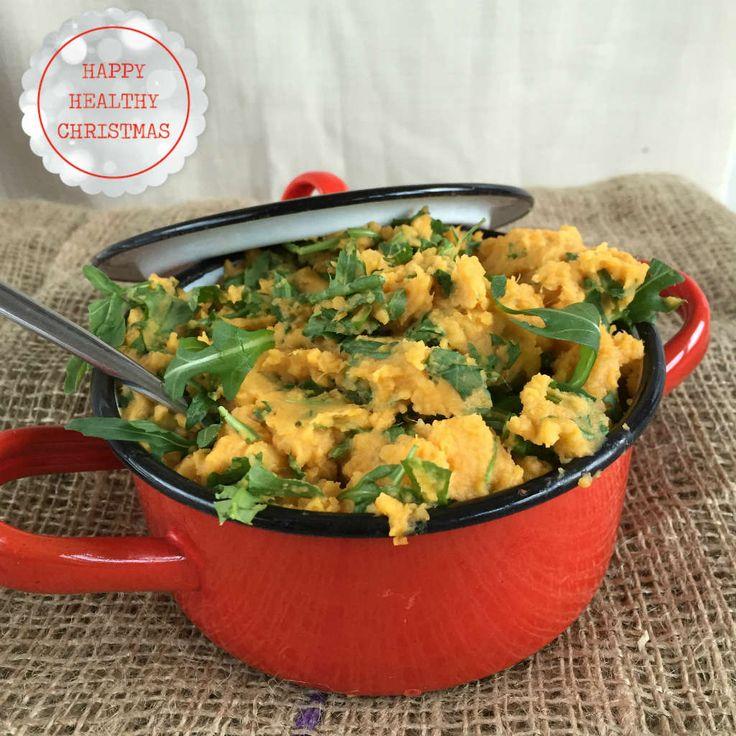 Een zoete aardappelpuree met rucola is een lekker, makkelijk en gezond bijgerecht voor bij vis of vlees. www.lekkeretenmetlinda.nl