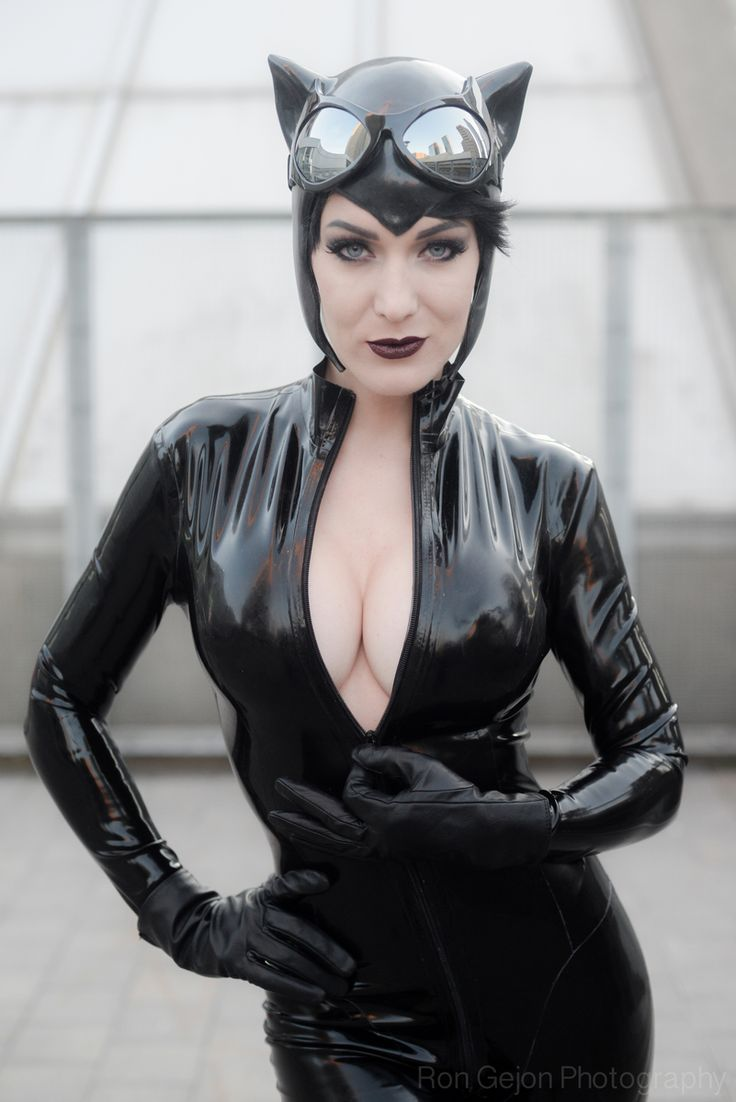 Catwoman hot cosplay