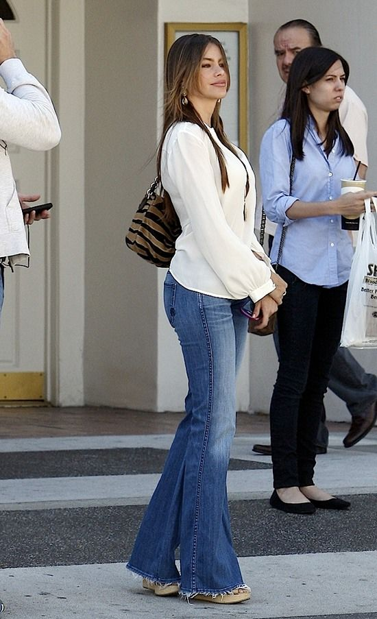 Sofia Vergara flared jeans