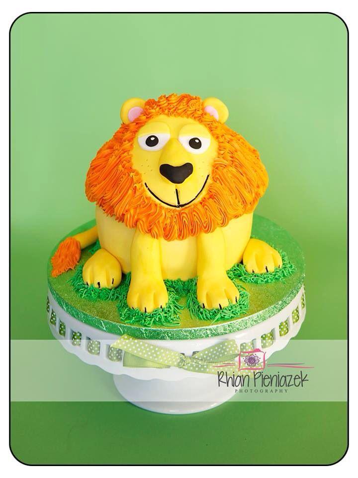 Lion cake. Cakes By Helzbach. Rhian Pieniazek Photography.