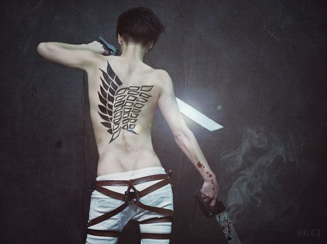 best-levy-cosplay-rivaille-attack-on-titan-attaque-des-manga-tv-streaming-anime-online-legal-gratuit-1-Ryu-Lain - CLS