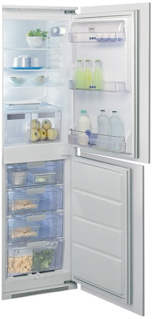 Whirlpool Fridge Freezer. ART479
