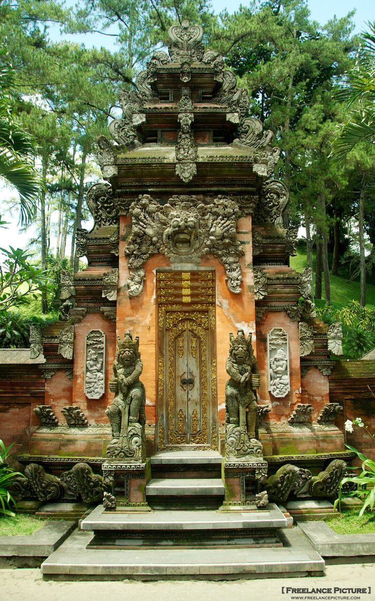 Balinese Hindu Temple - Ubud - Bali - They know how to honor their deities!
