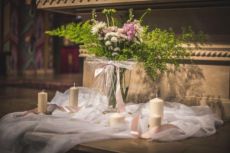Dekoracja przy ołtarzu / decoration at the altar   #decoration #wedding #flowers #rustic #bouquet #church