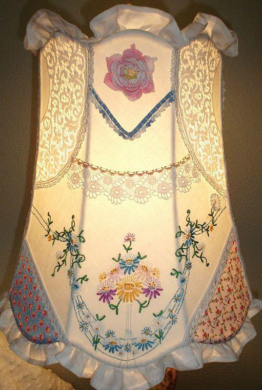 Vintage linen shadeCutest Cottages, Ideas, Cottages Lamps, Vintage Handkerchief, Lampshades, Lamps Shades, Shabby Chic Cottage, Vintage Linens, Vintage Style