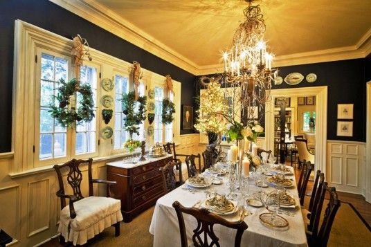 Dining Room, Awesome And Luxury Christmas Dinner Table Design Ideas With Yellow Light Chandelier And Long Dining Table Use White Table Clothes: Christmas Dining Room Decorating Ideas
