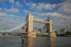 Tower Bridge, één van de vele bezienswaardigheden in Londen.