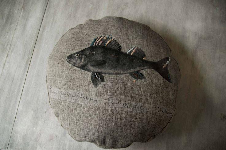Cojín de pescado, hecho a mano, con materiales de lo mejor by BERKANA Shop  www.berkanashop.com