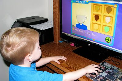All About Me Preschool Theme - Starfall All about Me - Who Am I? - lets you build your avatar