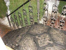 3 Чугунная лестница