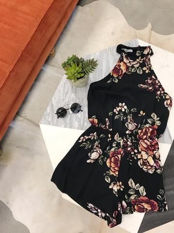 nectar, clothing, fashion, outfit, ootd, style, california, cali, summer, sunshine, summertime, girl, woman, black, romper, floral, halter