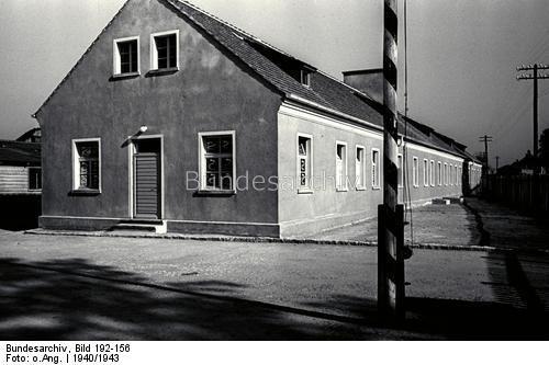 Österreich.- Konzentrationslager Mauthausen, SS-Baracken des Lagers Gusen, 1940-1943