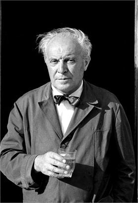 Gio Ponti was one of the most important Italian architects, industrial  designers, furniture designers, artists, and publishers of the twentieth  century.