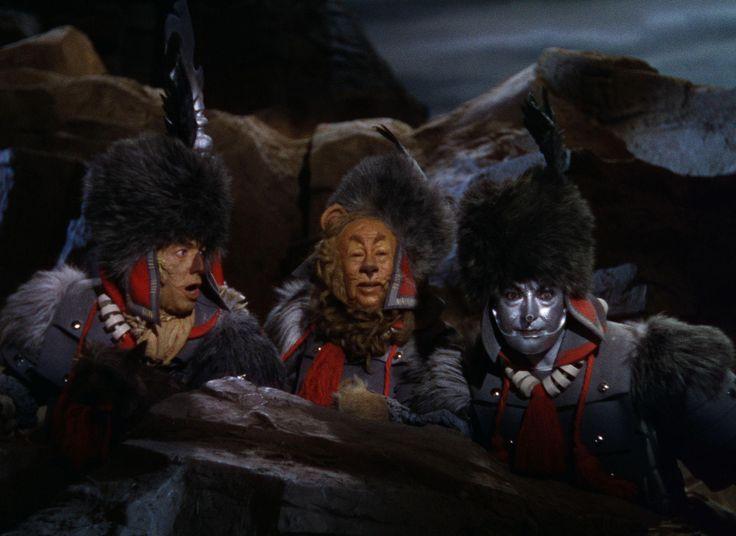 Still of Ray Bolger, Jack Haley and Bert Lahr in Trollkarlen från Oz (1939) http://www.movpins.com/dHQwMDMyMTM4/the-wizard-of-oz-(1939)/still-1048216576