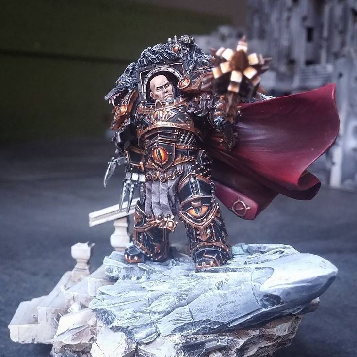 Horus the Warmaster Primarch of the Sons of Horus #forgeworld #modelpainting #horusheresy #paintingwarhammer #warmaster #primarch #miniaturepainters #paintingforgeworld #miniaturepainterscom